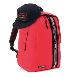 fronte zaino mitama colortouch rosso corallo fluo con cappello